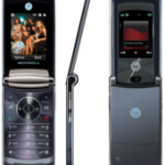 Motorola RAZR 2 V8 Linux phone review